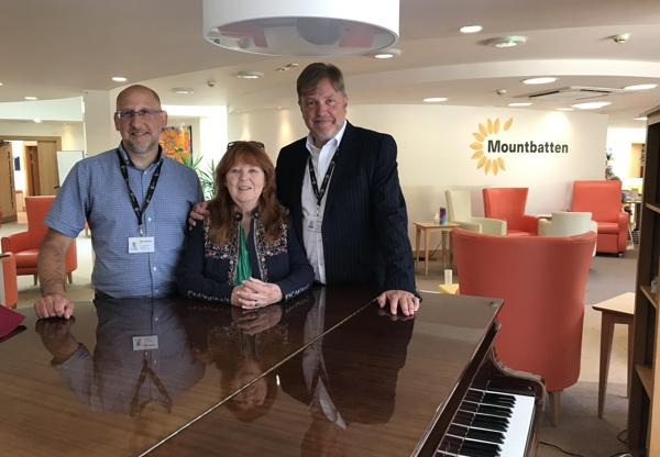 Piano owned by Moody Blues musician given to Mountbatten