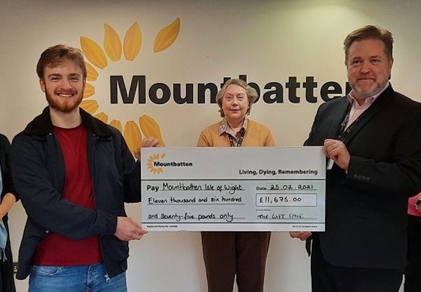 Virtual Gift Fair raises £11,675 for Mountbatten